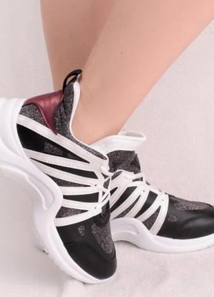 Спортивные кроссовки с люрексом3 фото