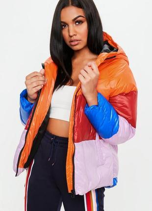 Крутая зимняя куртка пуховик в стиле colourblock missguided
