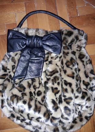 Интересная меховая сумка мешок с бантиком