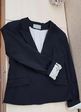 Пиджак чёрного цвета