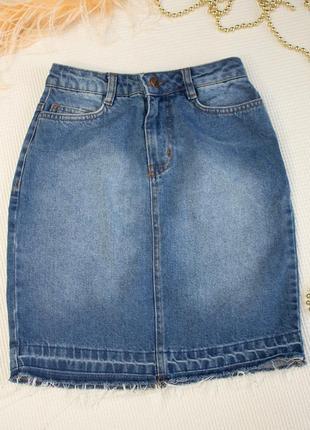Джинсовая юбка высокая посадка с необработанным низом1 фото