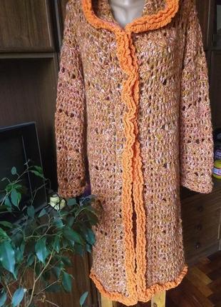 Пальто вязаное демисезонное.