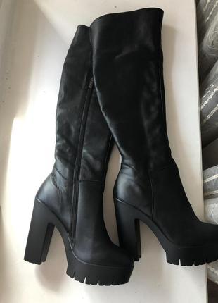 Новые кожаные высокие сапоги ботфорты