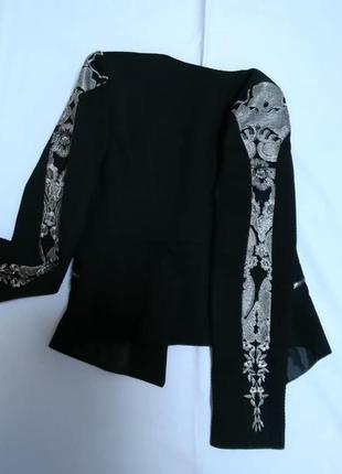 """Укороченный жакет """"рогожка""""с вышивкой на рукавах пиджак2 фото"""