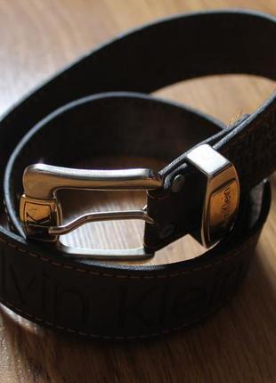 Блестательный мужской кожаный ремень от достойного бренда calvin klein