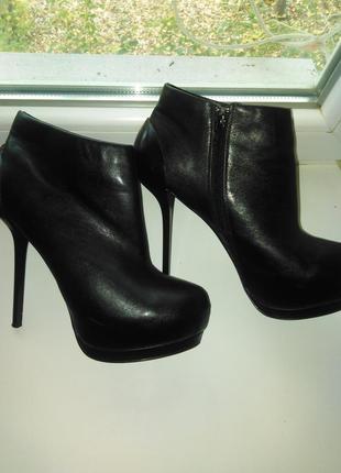 Классные ботиночки на шпильке