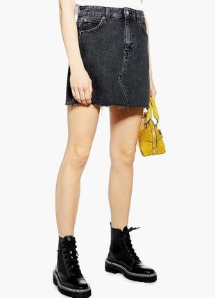 Актуальная джинсовая юбка topshop