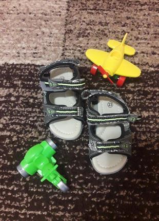 Босоножки для мальчика. детские сандалии.