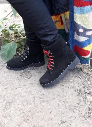 Кожаные ботинки берцы демисезонные и зимние подошва с металлическим вставками