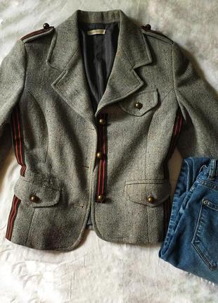 Пиджак в милитари стиле