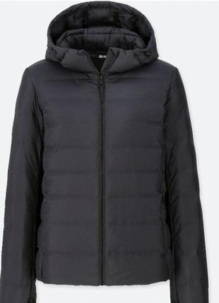 Отличная ультралегкая женская куртка с капюшоном uniqlo