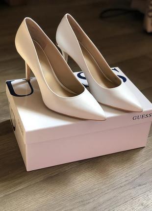 Белые туфли лодочки guess оригинал