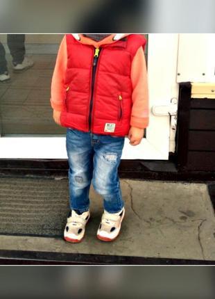 Джинсы на мальчика zara в отличном состоянии на рост до 98 см