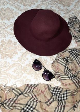 Пляпа, шляпка цвета бордо с полями1 фото