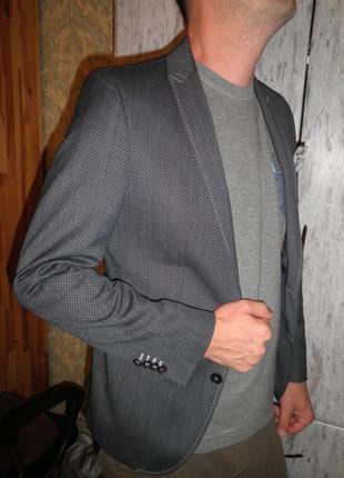 Шикарный модный молодёжный брендовый пиджак жакет club of gents  размер м 46 качество!