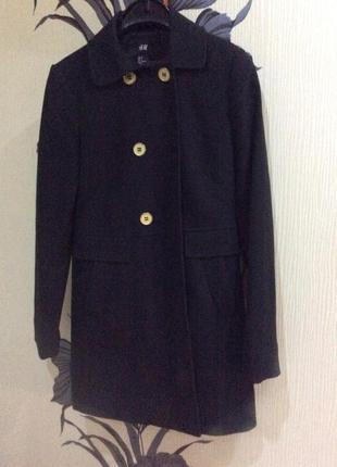 Классическое чёрное пальто h&m