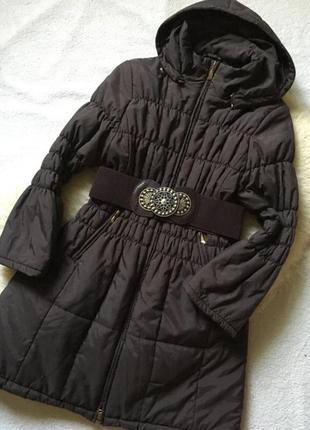 Эффектное демисезонное пальто с капюшоном