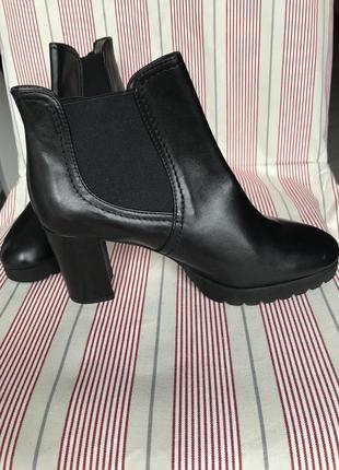 Черевики ботинки італія нові шкіра кожа