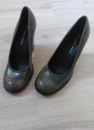 Интересные винтажные туфли chillany