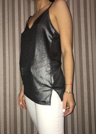 Модная майка в бельевом стиле блестящая металлик базовая стильная топ прямая свободная
