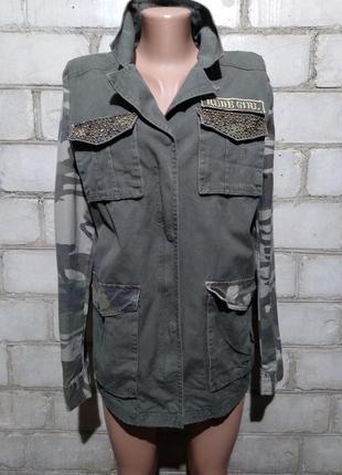 Крутая камуфляжная куртка пиджак милитари с нашивками молодежного бренда coolcat