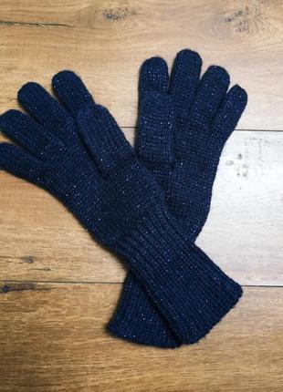 Тёплые вязаные рукавицы.