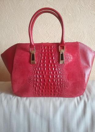 Итальянская кожаная сумка с вставками под крокодила  red1
