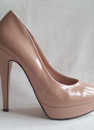 Туфли беж лак на шпильке