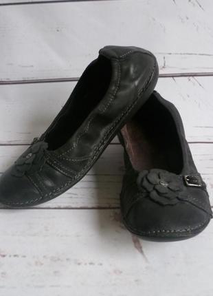 Стильные серые балетки туфли  kickers кожа