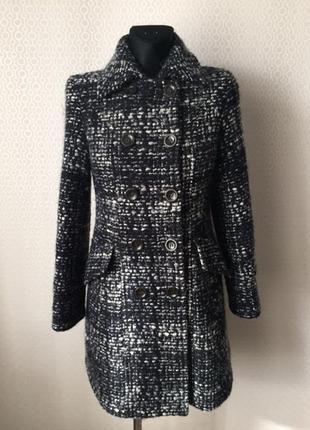 Пальто из буклированной ткани от max mara weekend, размер евр 36, укр 42-44