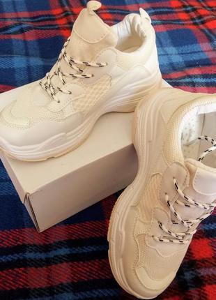 Нові білі кросівки, розмір 35,5-36