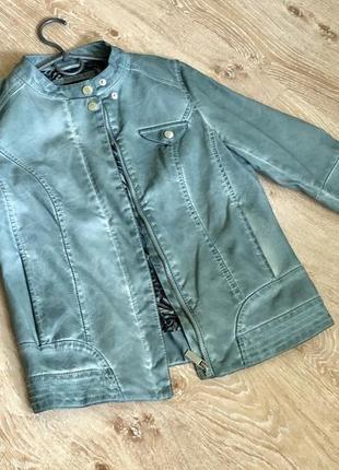 Женская куртка из кожзама amisu.