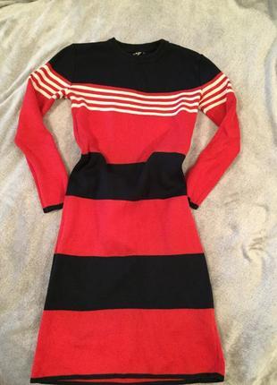 Тёплое платье осень-зима s