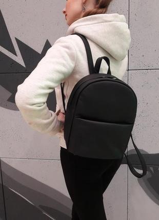 Женский портфель черного цвета из кожзама