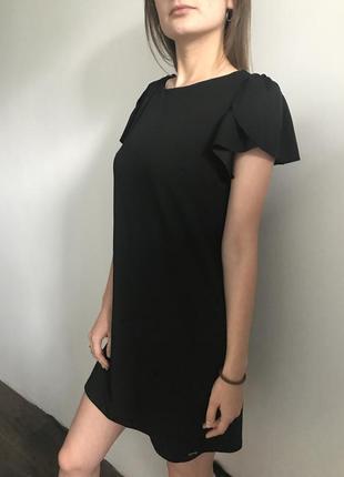 Маленька чорна сукня mohito