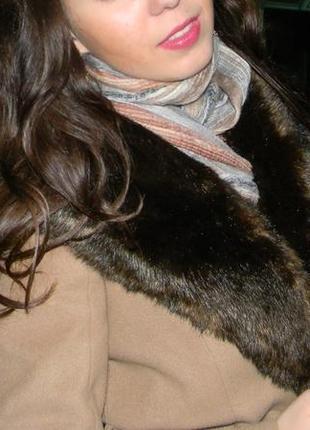 Пальто пальтишко коричневое горчичное миди средняя длина reserved  размер с s с мехом3
