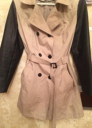 Модная актуальная куртка -плащ