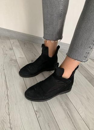 Ботинки с натурального нубука