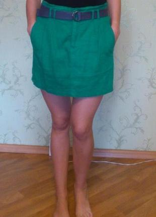 Красивая зеленая юбка с высокой пасадкой