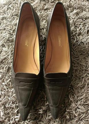Туфли кожаные с острым носком черные andrea sabatini style 39 38 размер