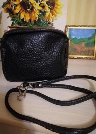 Маленькая чорная сумка, обмен