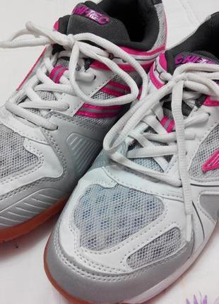 Дышащие кроссовки от hi-tex