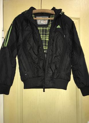 Курточка спортивная