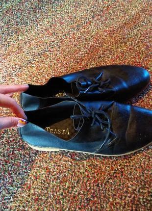Лоферы на шнурках