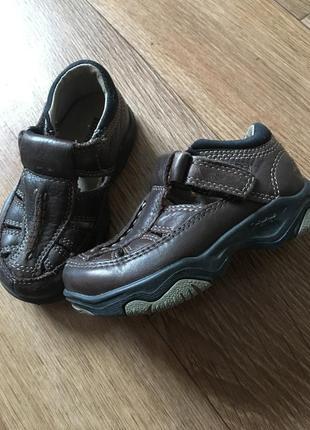 Кожаные туфли ботинки