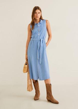 Натуральное джинсовое платье рубашка на пуговицах длины миди 100% лиоцелл от mango