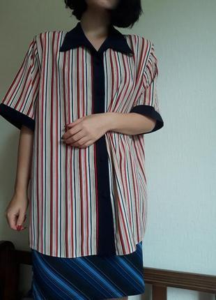 Рубашка оверсайз в цветную полоску и черными деталями
