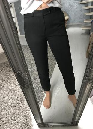 Чорні штани