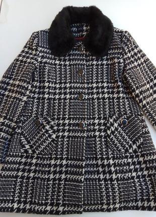 Стильное шерстяное пальто m & co. размер 182 фото