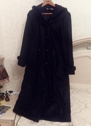 Элегантное пальто в принт